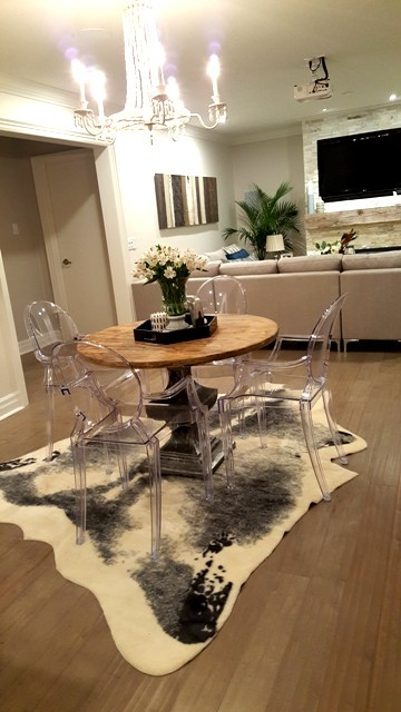 The Property Brothers kitchen table