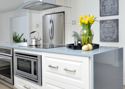 The Property Brothers kitchen island